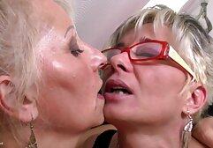 Eva suce site porno gratuit en francais et baise un patient mental sous une lumière noire